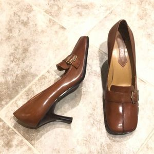 Enzo Angiolini brown leather heels size 8